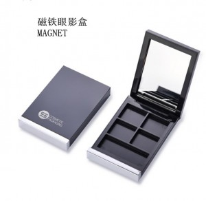 4 color eyeshadow case with mirror & blush place—ITEM NO 9552B