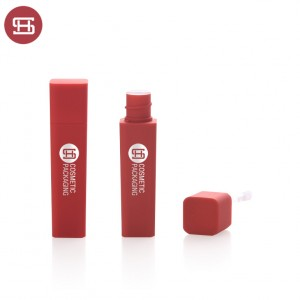 New arrival empty lip gloss tube container private label with soft touch finish